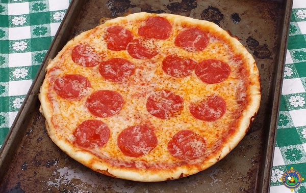dutch oven pizza with pepperoni