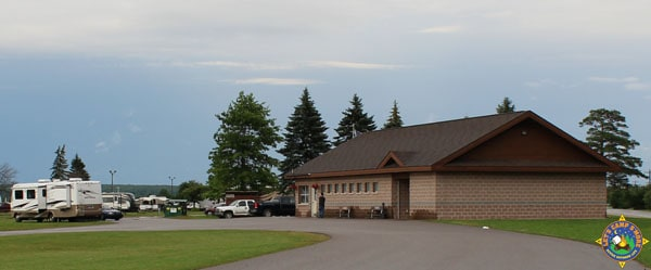Office and bathrooms at Aune-Osborn Campground