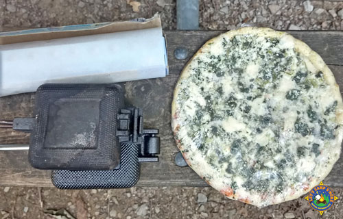 camping frozen pizza ingredients