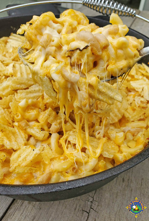 baked macaroni and cheese with potato chips on top